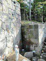 石垣下に滝つぼ跡(金沢城)
