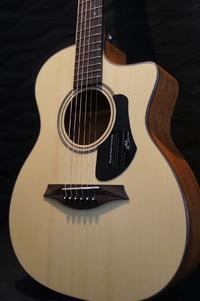 メイソンのミニギターです。