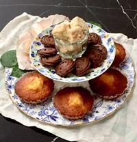 ティータイムの焼き菓子