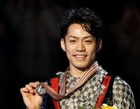 男子フィギュア初の金メダル